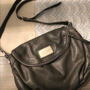 EUC large Gray Marc Jacobs crossbody purse